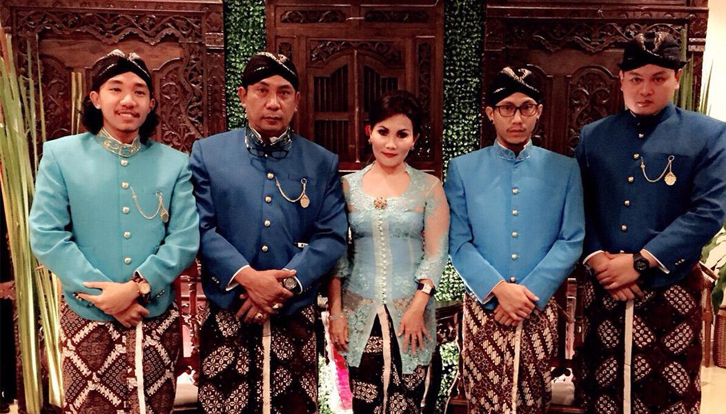 Ir. I Wayan Wirata (nomer dua dari kiri)